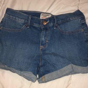 Mid-rise Jean shorts
